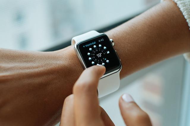 smart-watch-821557_640